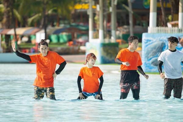 Running Man: Không thể tưởng tượng được cảnh Trấn Thành bơi đến... tụt quần, tỉnh bơ mặc lại nhưng lại là quần trái!-3