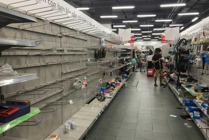 Auchan sale 50% vẫn bị khách hàng tố bán đắt hơn cả giá chưa giảm, sự thật có phải như vậy?-2