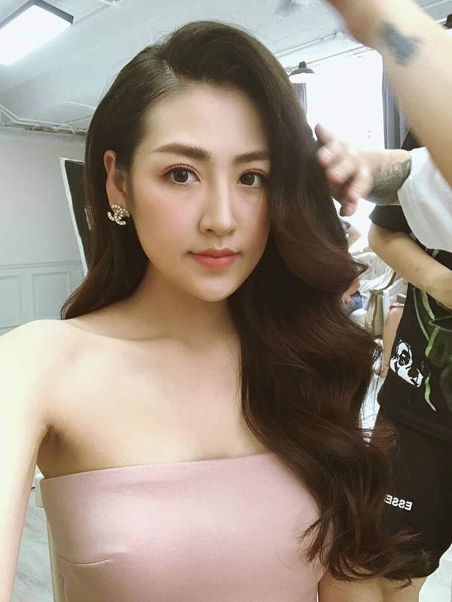 Á hậu Thuỳ Dung khoe ảnh bikini nóng bỏng và cái kết bất ngờ khiến fans té ghế-13