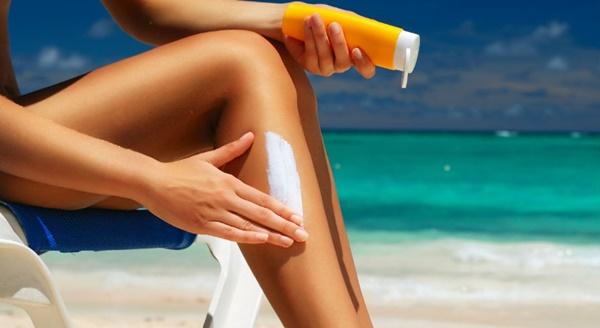 Chuyên gia cảnh báo hóa chất trong kem chống nắng có thể hấp thụ vào máu-3