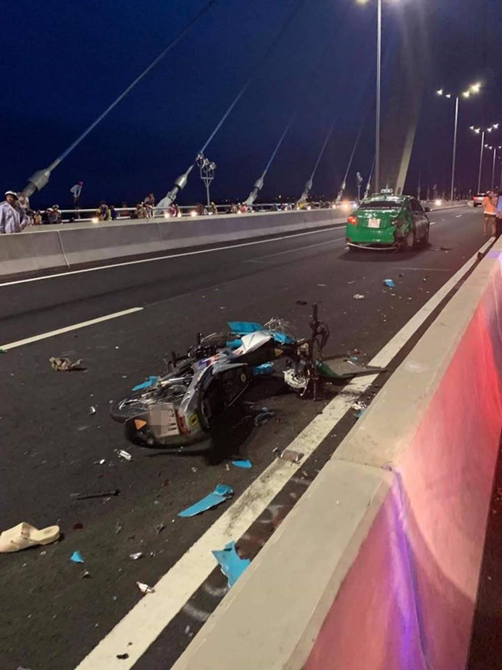 Đăng ảnh trên cầu cùng dòng chia sẻ ẩn ý, thanh niên chạy vào làn ô tô gây tai nạn kinh hoàng-2