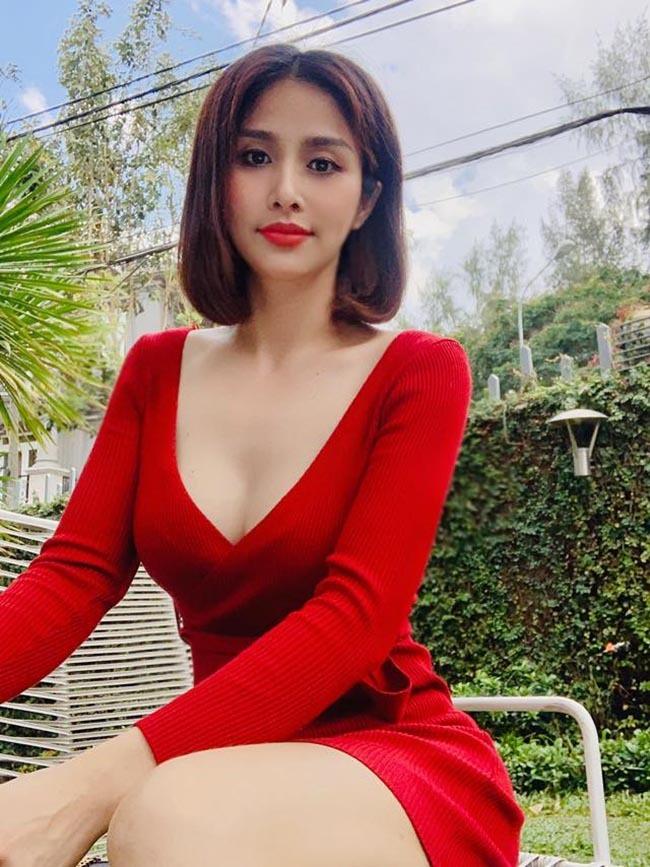 Chia tay các cầu thủ nổi tiếng nhất tuyển Việt Nam, 3 người đẹp sexy sống thế nào?-3