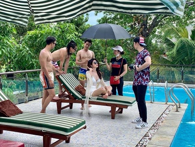 Chia tay các cầu thủ nổi tiếng nhất tuyển Việt Nam, 3 người đẹp sexy sống thế nào?-4