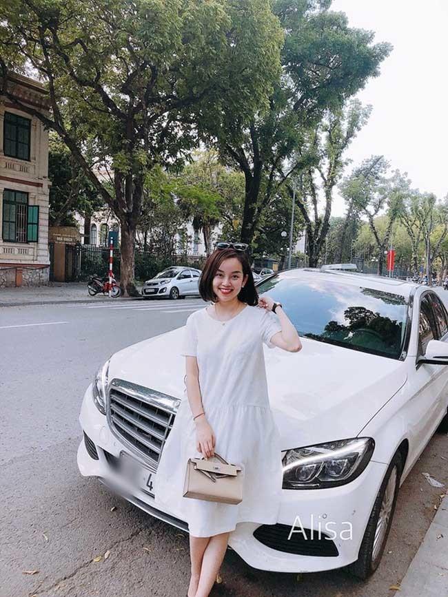 Chia tay các cầu thủ nổi tiếng nhất tuyển Việt Nam, 3 người đẹp sexy sống thế nào?-12