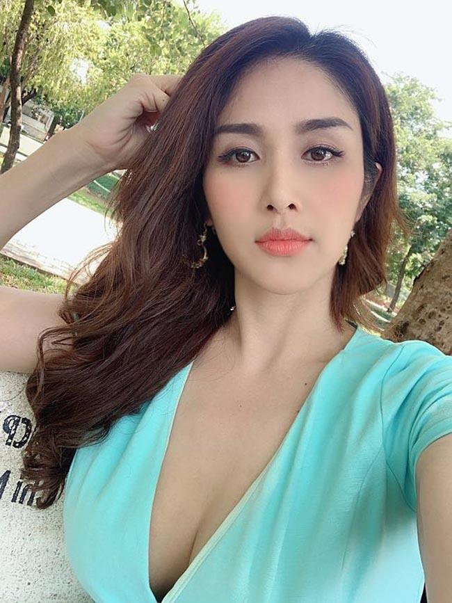 Chia tay các cầu thủ nổi tiếng nhất tuyển Việt Nam, 3 người đẹp sexy sống thế nào?-8
