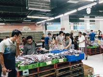 Siêu thị Auchan những ngày cuối cùng ở Việt Nam: Hàng hoá được gom lại một chỗ, không còn cảnh chen lấn