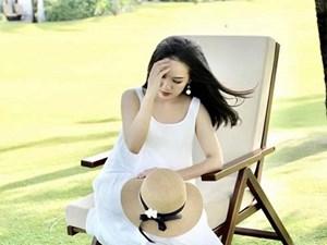 Dù không phải là mẫu ảnh, BTV Hoài Anh vẫn khiến dân mạng trầm trồ với loạt khoảnh khắc này