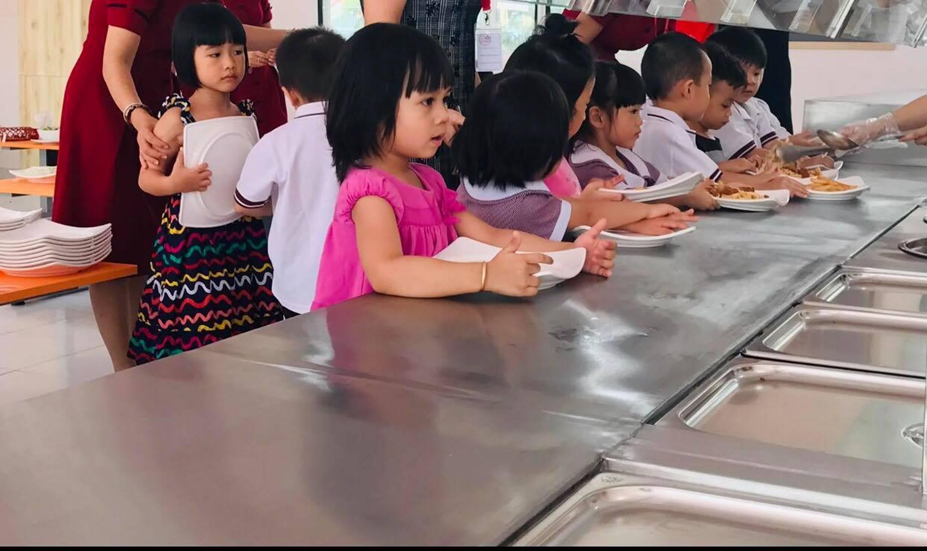 Cách dạy con của ông chủ quán cơm tấm khiến thầy giáo dạy sử muốn bật ngửa-1