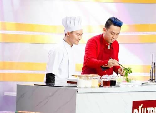 Hóa ra showbiz Việt có một soái ca đẹp trai, hát hay lại còn nấu ăn như siêu đầu bếp-1