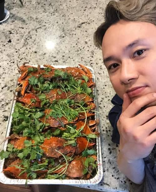 Hóa ra showbiz Việt có một soái ca đẹp trai, hát hay lại còn nấu ăn như siêu đầu bếp-3