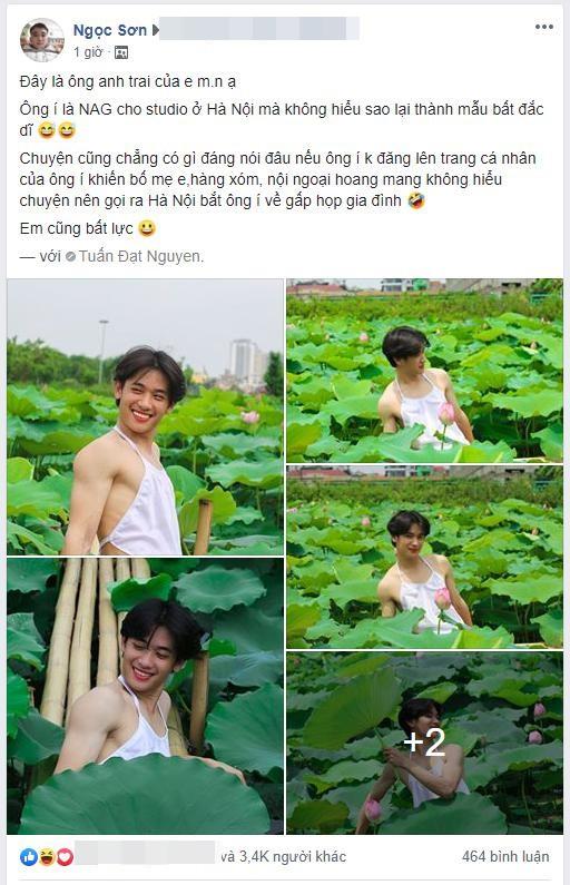 Chàng trai gây cười với bộ ảnh mặc yếm bên hoa sen, nhưng phản ứng của gia đình anh sau đó mới thực sự hài hước-1