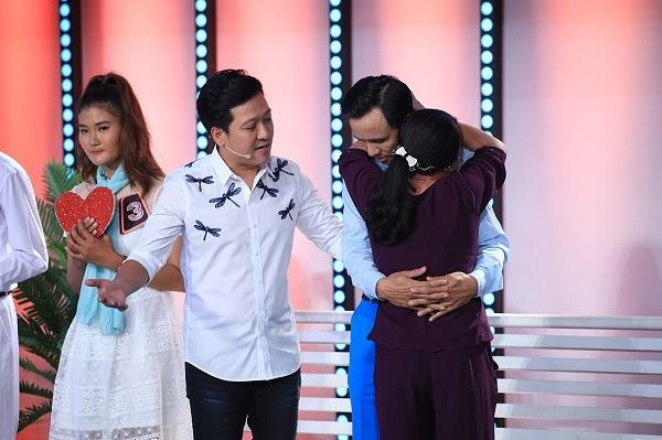 Trấn Thành- Việt Hương rơi nước mắt trước chuyện mẹ hiến tạng con trai cứu 5 mạng người-2