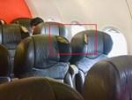 Phát hiện toilet máy bay bị tắc, nhân viên vệ sinh rùng mình lôi lên một thai nhi bị vứt bỏ, cả chuyến bay bị hủy để điều tra-4