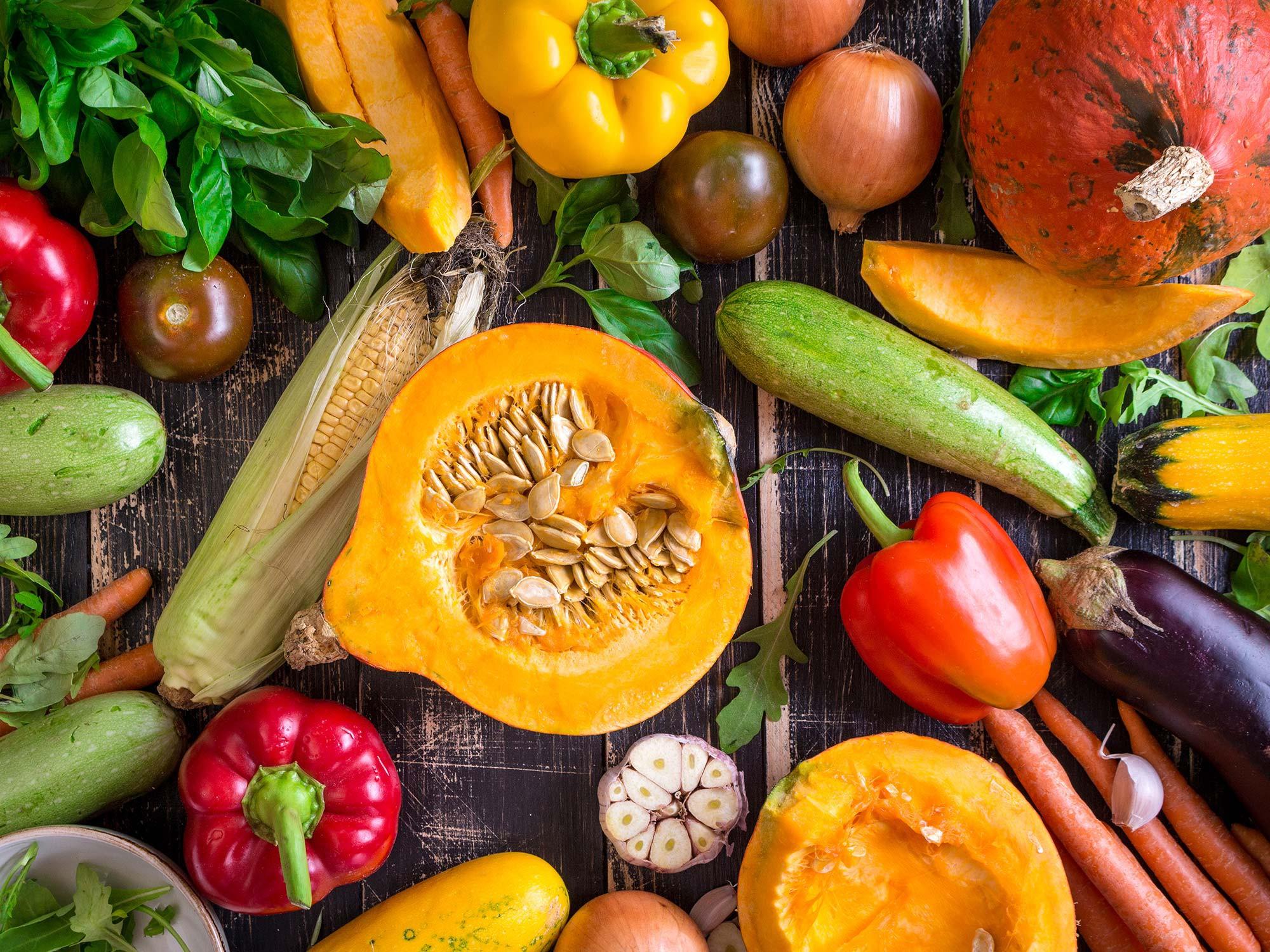 Sửng sốt: Tưởng cứ ăn nhiều rau củ quả sẽ giảm cân nhưng vẫn có loại khiến chị em béo lên đây này!-1
