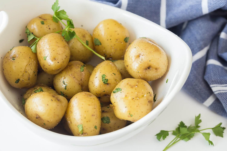 Sửng sốt: Tưởng cứ ăn nhiều rau củ quả sẽ giảm cân nhưng vẫn có loại khiến chị em béo lên đây này!-3