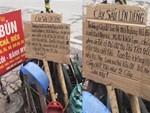 Cắm biển Cấm đổ rác không tác dụng, người dân chỉ thêm 1 dòng chữ này lại hiệu quả đến không ngờ-4