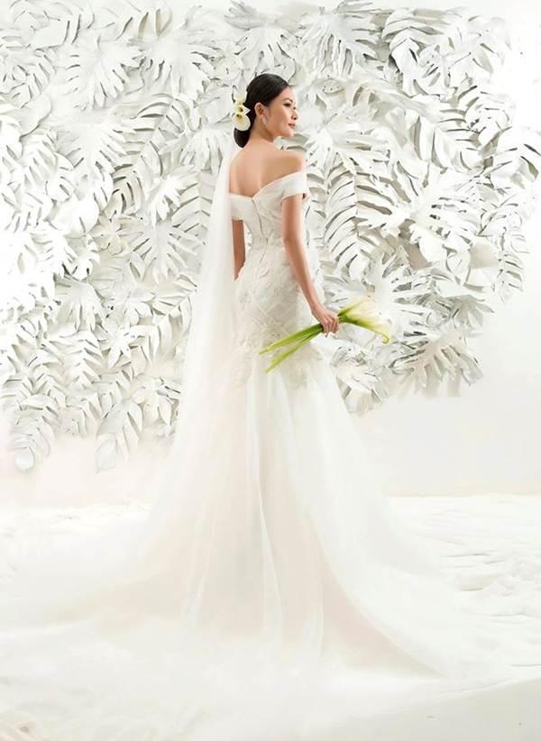 Sau khi công khai bạn trai, Á hậu Thuỳ Dung gợi cảm với váy cưới xuyên thấu-8