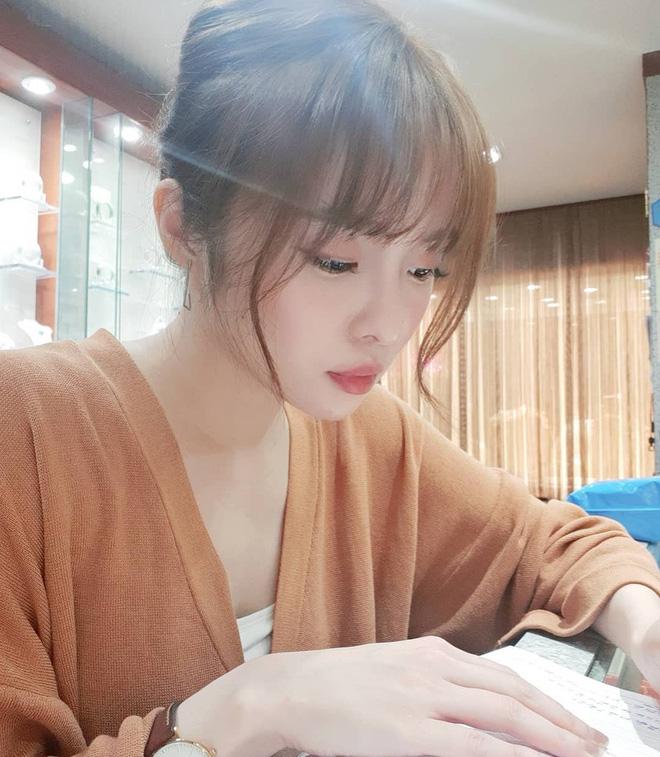 Vô tình gặp gái xinh sở hữu góc nghiêng giống Song Hye Kyo, chàng trai ngẩn ngơ đăng ảnh nhờ cư dân mạng tìm info giúp-12