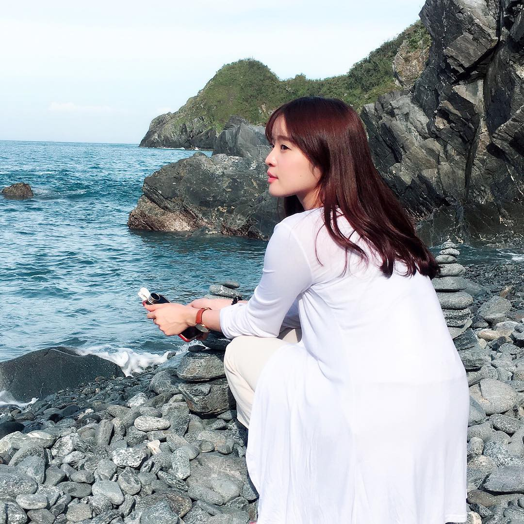 Vô tình gặp gái xinh sở hữu góc nghiêng giống Song Hye Kyo, chàng trai ngẩn ngơ đăng ảnh nhờ cư dân mạng tìm info giúp-7