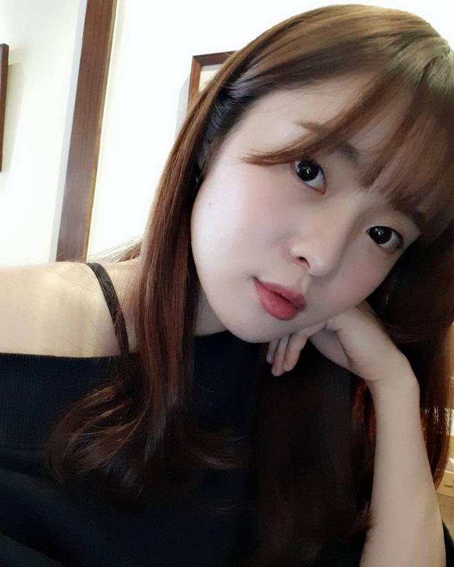 Vô tình gặp gái xinh sở hữu góc nghiêng giống Song Hye Kyo, chàng trai ngẩn ngơ đăng ảnh nhờ cư dân mạng tìm info giúp-9