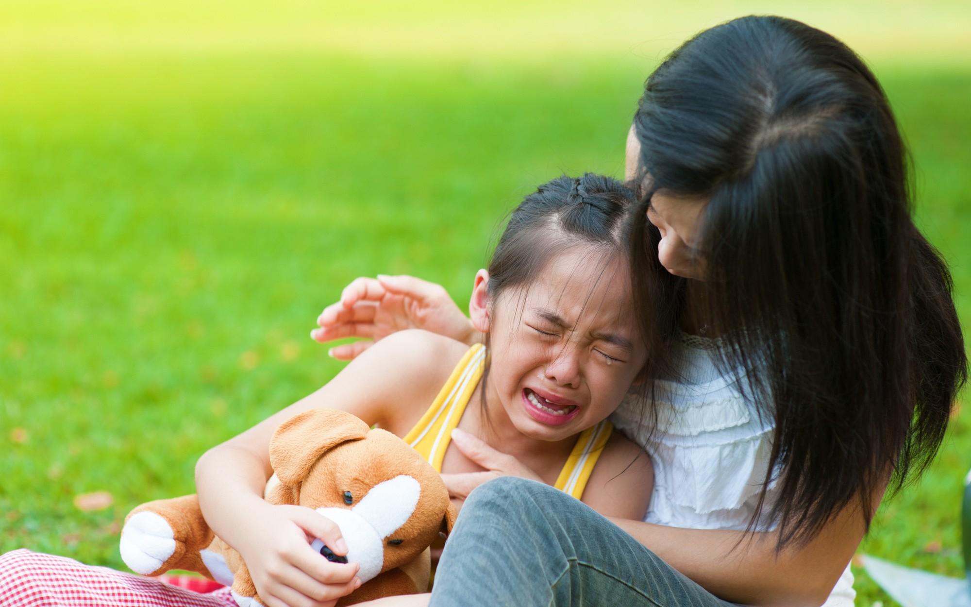Cứ tưởng làm thế này là yêu con, nhưng thực ra cha mẹ đang hại con-1