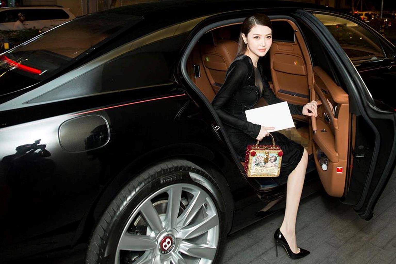 Mỹ nữ Vũng Tàu đi xe 70 tỷ mặc đồ thanh lịch thu hút mọi ánh nhìn-8