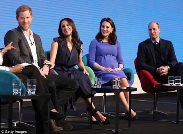 Động thái cho thấy vợ chồng Meghan và vợ chồng Kate không đội trời chung, cạch mặt nhau đến cùng-2