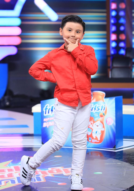 Cả đời làm MC chắc Trấn Thành cũng không ngờ có ngày mình bị đứa bé 5 tuổi bắt bẻ đến câm nín thế này-2