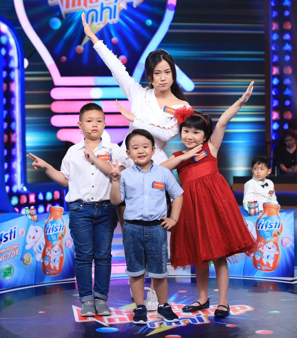 Cả đời làm MC chắc Trấn Thành cũng không ngờ có ngày mình bị đứa bé 5 tuổi bắt bẻ đến câm nín thế này-3