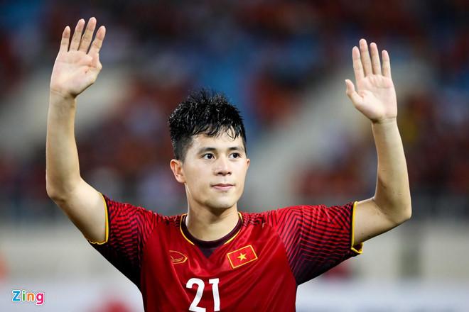 Thành Chung thay Đình Trọng dự Kings Cup cùng tuyển Việt Nam-1