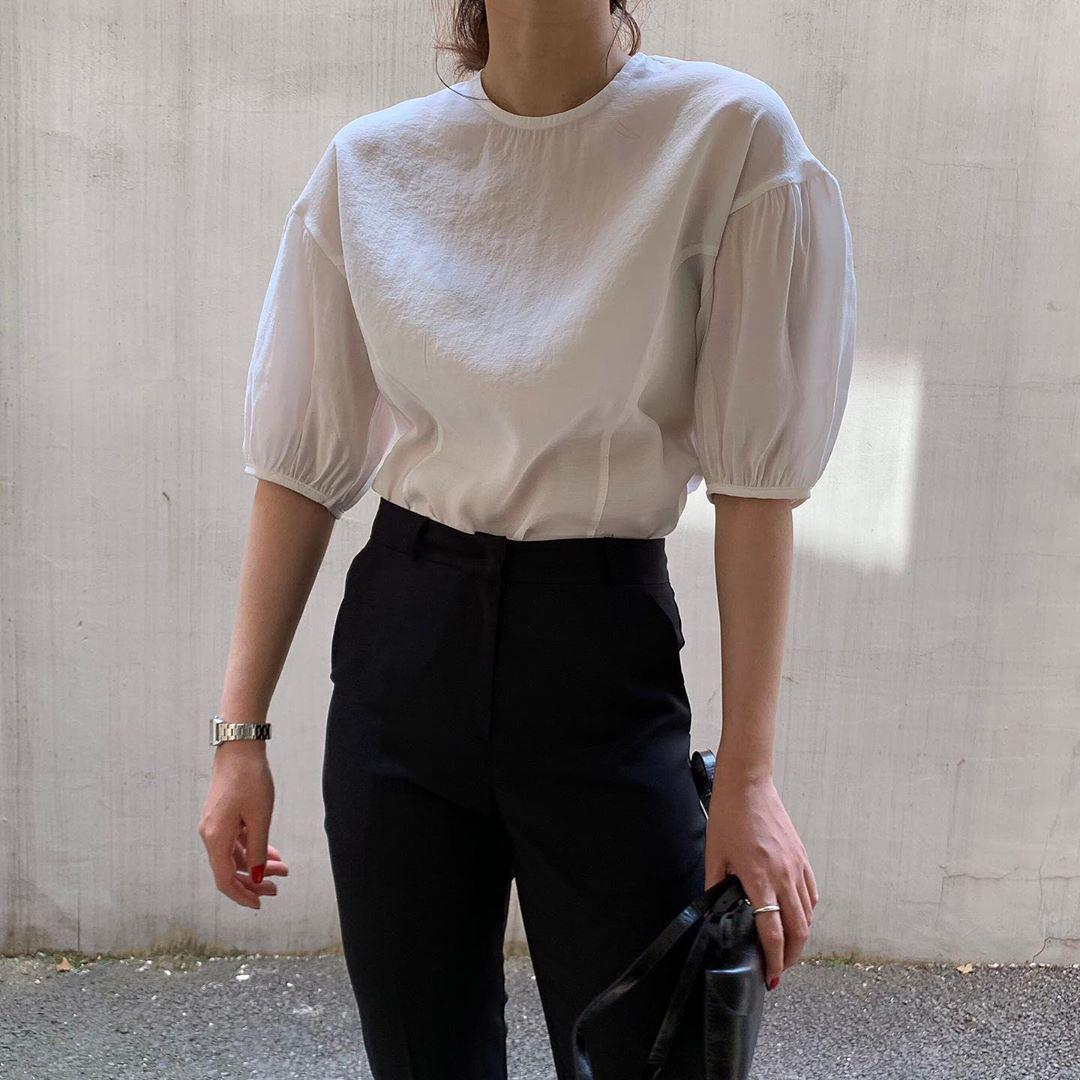 10 set đồ với áo blouse trắng dưới đây sẽ là cẩm nang mặc đẹp cho các chị em công sở suốt hè này-6
