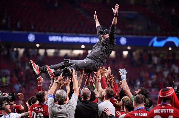 Liverpool vô địch và vinh quang cho người xứng đáng nhất-2