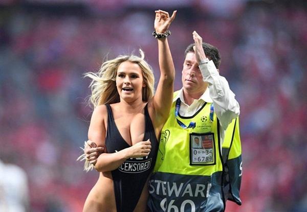 Nữ CĐV gây náo loạn chung kết Champions League-1