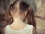 Gã ấu dâm dùng thuyết người ngoài hành tinh để lạm dụng đứa trẻ 12 tuổi, quan hệ với cả bố lẫn mẹ em nhằm có cớ bắt cóc cô bé-5