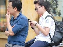 Nhiều thí sinh tại Hà Nội bị đình chỉ thi vì mang điện thoại, tài liệu vào phòng; gần 500 em bỏ thi môn Ngữ Văn