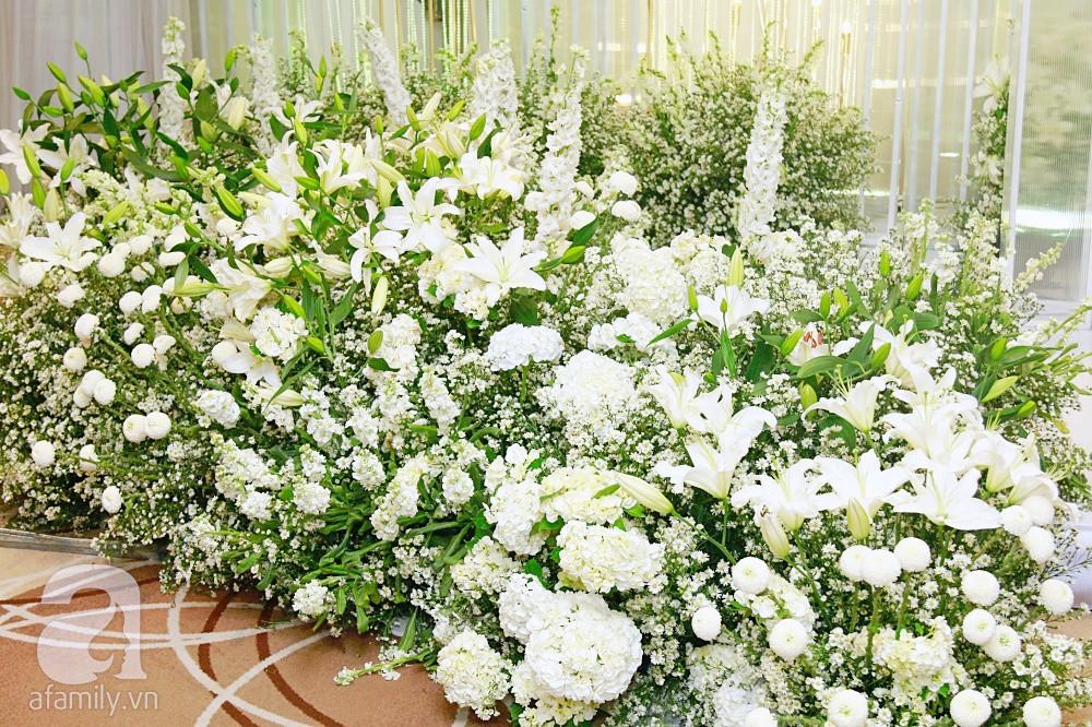 Cận cảnh không gian tiệc cưới xa hoa với thực đơn 5 sao đắt đỏ và hoa tươi tiền tỷ của Dương Khắc Linh - Sara Lưu-1