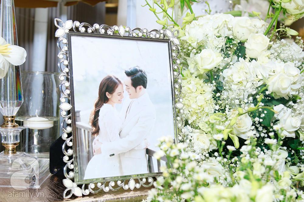 Cận cảnh không gian tiệc cưới xa hoa với thực đơn 5 sao đắt đỏ và hoa tươi tiền tỷ của Dương Khắc Linh - Sara Lưu-8