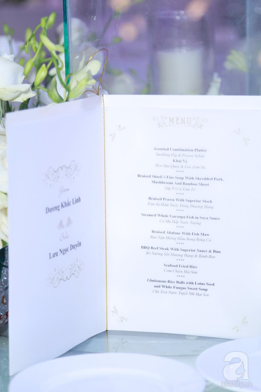 Cận cảnh không gian tiệc cưới xa hoa với thực đơn 5 sao đắt đỏ và hoa tươi tiền tỷ của Dương Khắc Linh - Sara Lưu-18