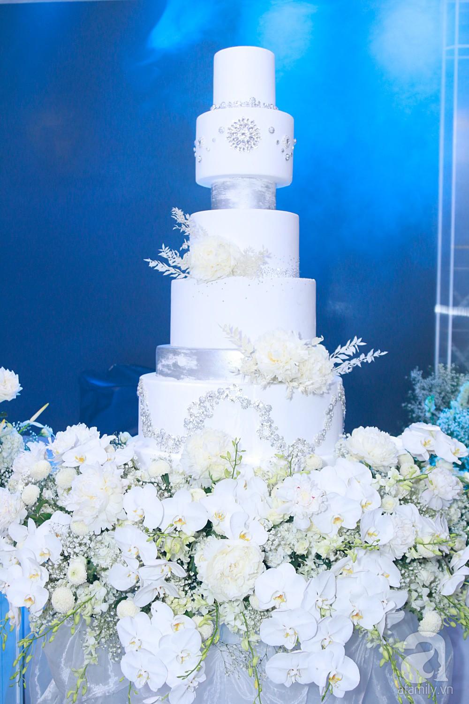 Cận cảnh không gian tiệc cưới xa hoa với thực đơn 5 sao đắt đỏ và hoa tươi tiền tỷ của Dương Khắc Linh - Sara Lưu-20