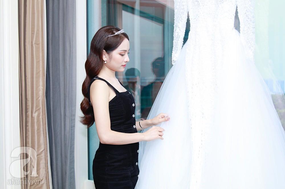 Sara Lưu âu yếm Dương Khắc Linh trong phòng cưới trước giờ G-3