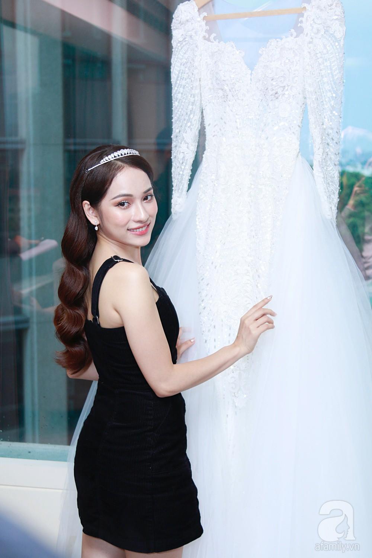 Sara Lưu âu yếm Dương Khắc Linh trong phòng cưới trước giờ G-6