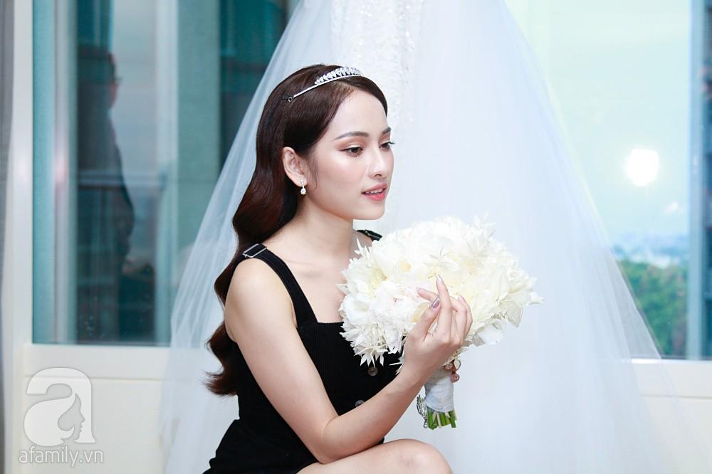 Sara Lưu âu yếm Dương Khắc Linh trong phòng cưới trước giờ G-11