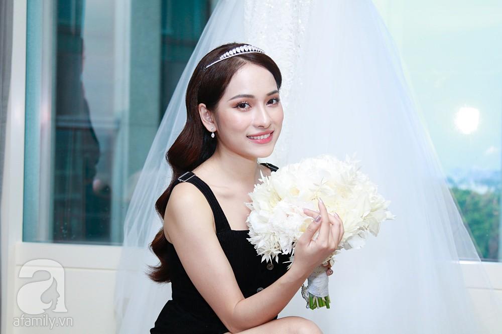 Sara Lưu âu yếm Dương Khắc Linh trong phòng cưới trước giờ G-12