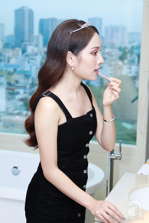 Sara Lưu âu yếm Dương Khắc Linh trong phòng cưới trước giờ G-16