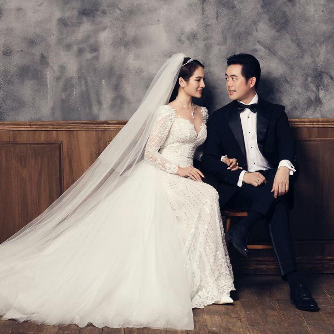 Sara Lưu hạnh phúc viết một câu tiếng Anh ngọt ngào đánh dấu ngày cưới, dân mạng lại cười bò vì chẳng hiểu gì-6