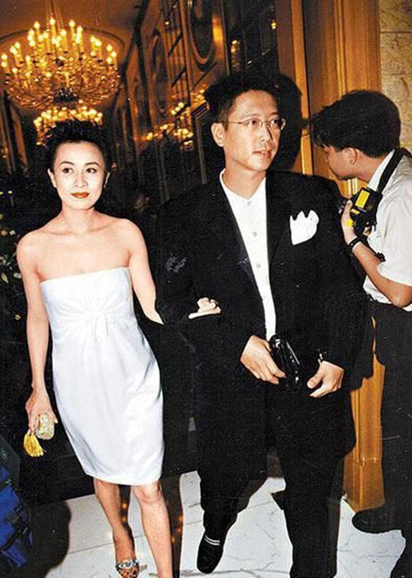 Cái kết của đại gia kim cương từ bỏ con gái tỷ phú kết hôn với hoa hậu tai tiếng-3