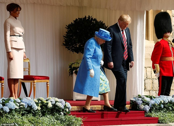 Hé lộ bất ngờ về bữa tiệc Hoàng gia Anh tiếp đãi Tổng thống Trump: Mất tới 6 tháng chuẩn bị, không được sai sót dù chỉ một chiếc ly-2
