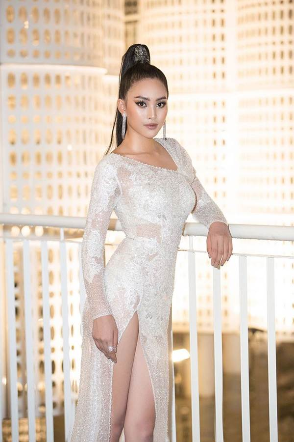 Hoa hậu Tiểu Vy, Á hậu Thuý An diện váy xẻ táo bạo khoe nhan sắc nữ thần-2
