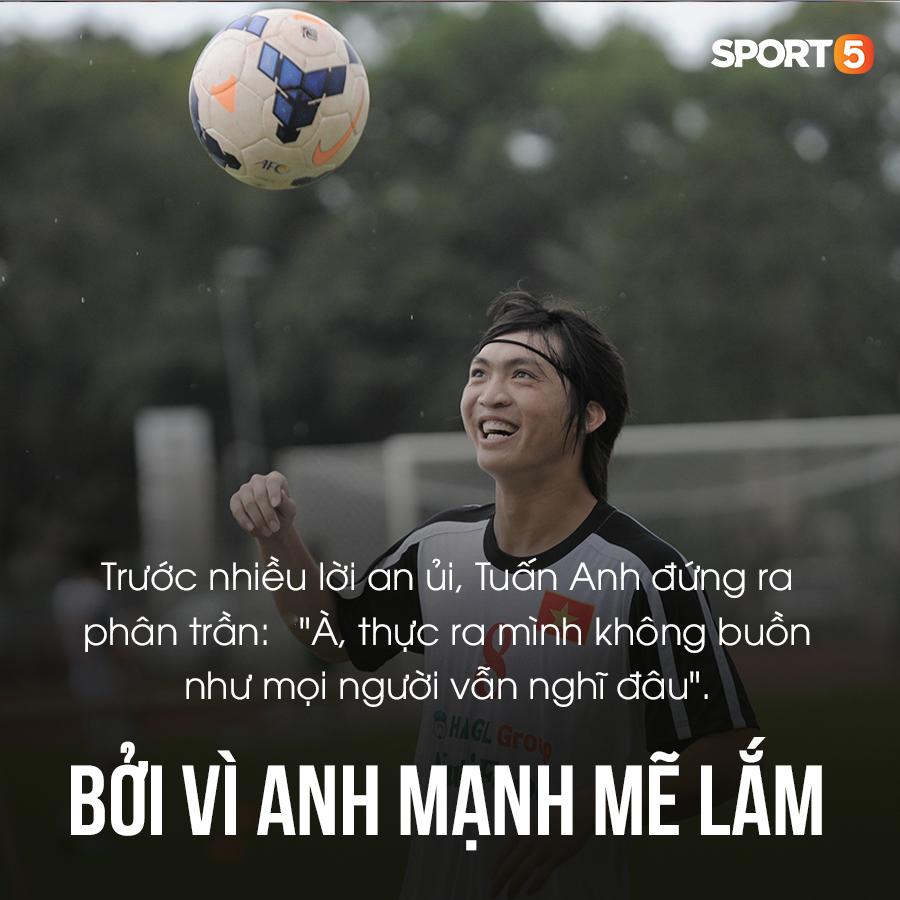 Tiền vệ Tuấn Anh: 6 năm trốn chạy kẻ thù và những tấm ảnh film nâng đỡ đôi chân pha lê của bóng đá Việt Nam-5