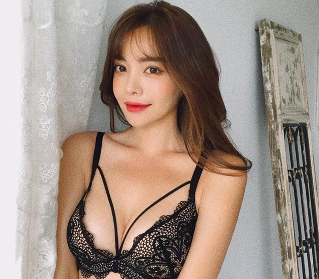 Thiên thần nội y Hàn Quốc có gương mặt ngây thơ, thân hình gợi cảm-7